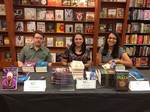 Here I am with Diana López and Marcia Mickelson at the Corpus Christi B&N.
